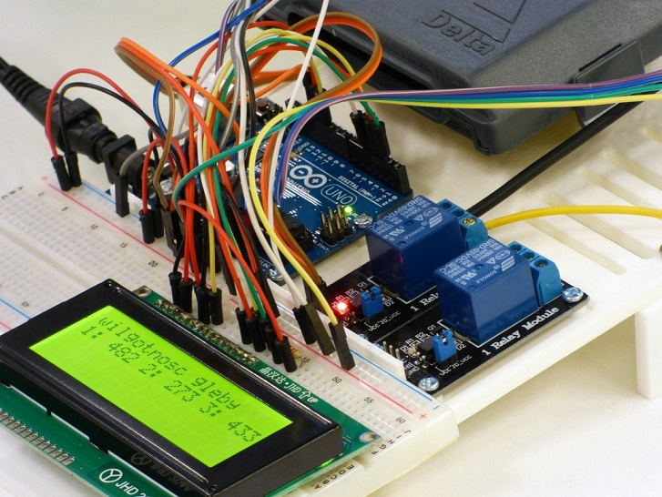 arduino-integrated-circuit-441294_1920-1038x779