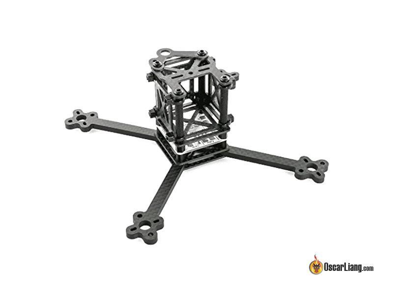 Cuadro de un dron con los brazos muy delgados